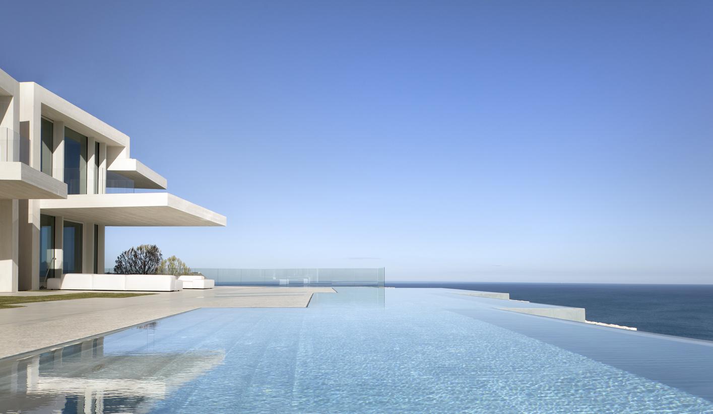 casa-piscina-infinita