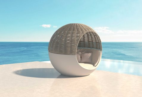 vondom-moon-daybed-by-ramon-esteve